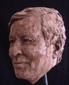 Bronzen beeld Prins Claus von Amsberg zijaanzicht